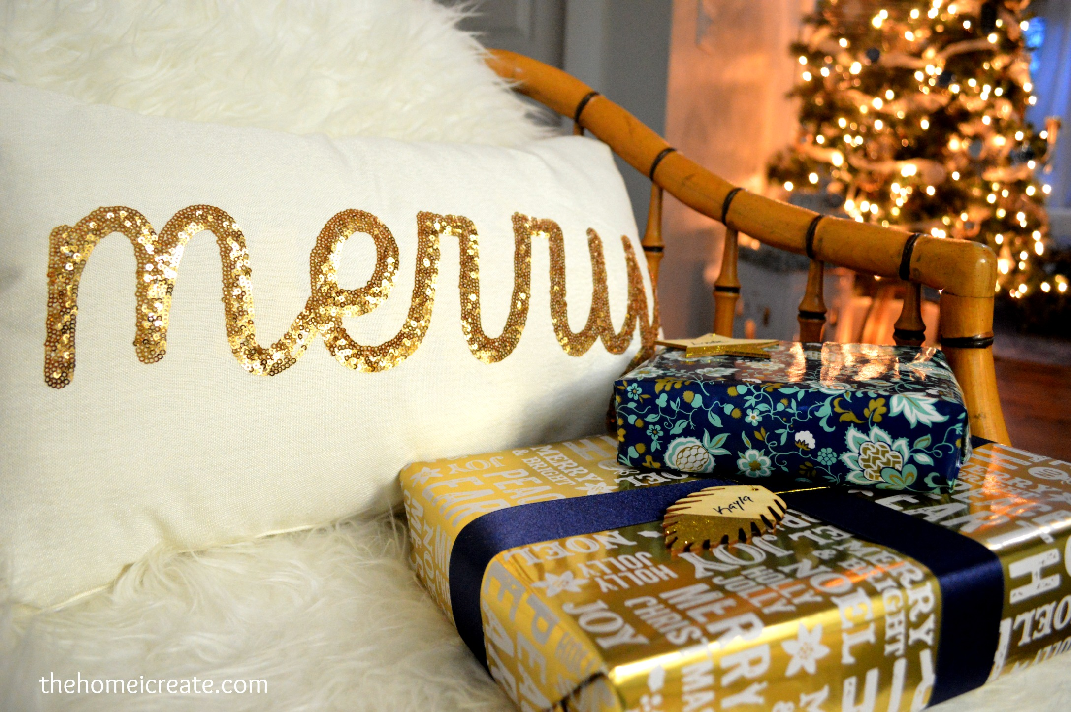 Christmas House Tour - Beautiful and inexpensive Christmas decor. Plus how to DIY table centerpiece. thehomeicreate.com   Instagram: thehomeicreate