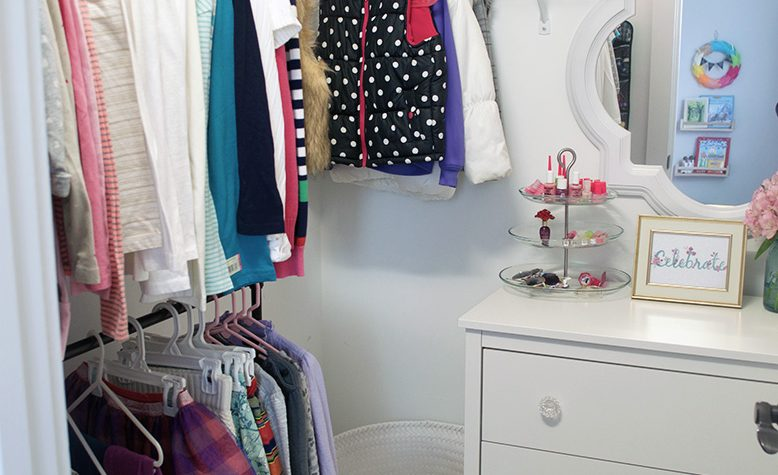 Easy Kids Closet Organization