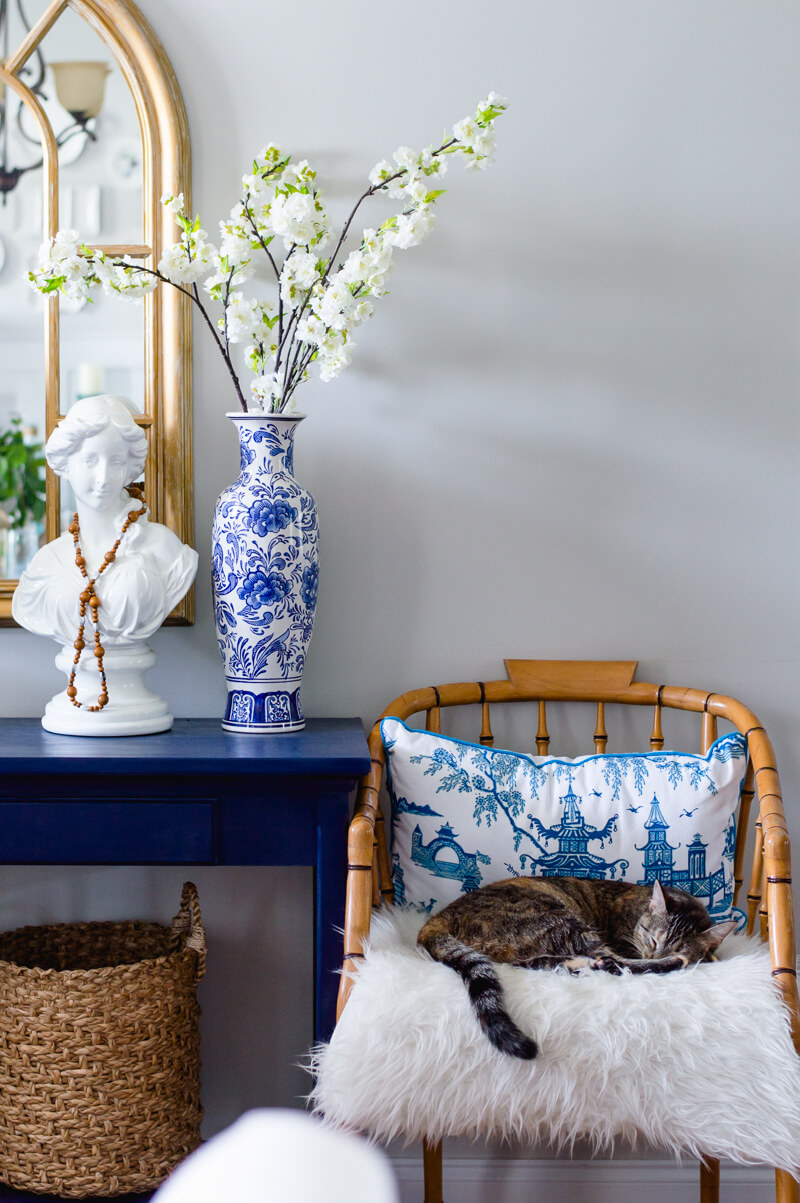 Decorating with blue and white porcelain the home i create save reviewsmspy
