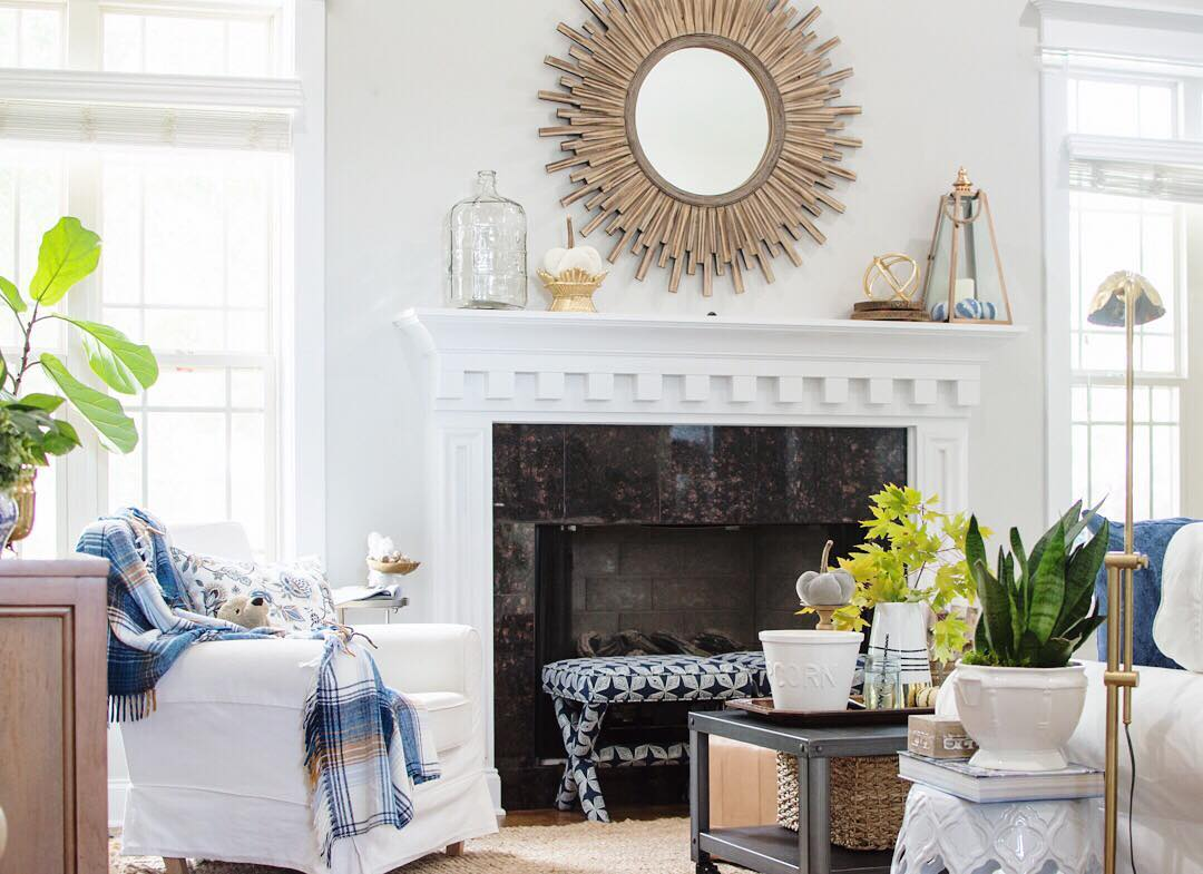 Renter friendly   living room small   sunburst mirror   white slipcover l   thehomeicreate.com