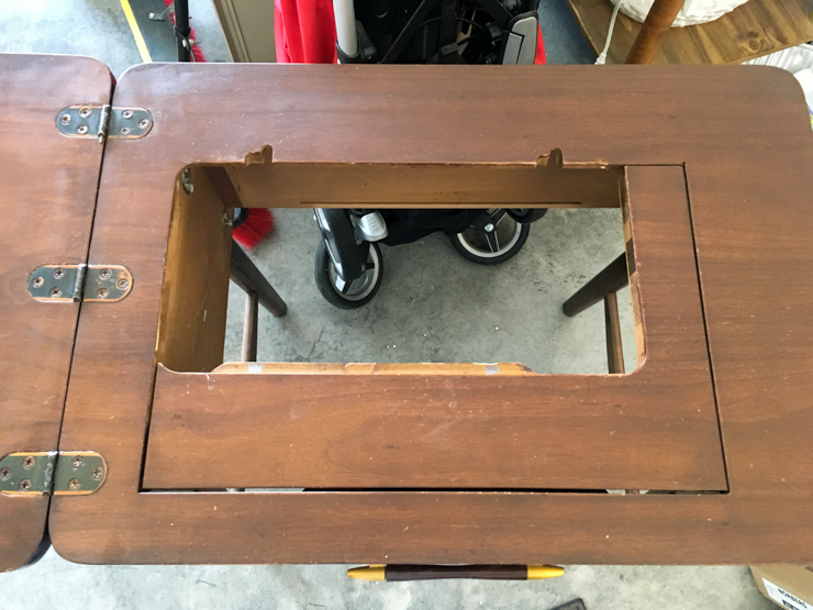 Sewing Table160528