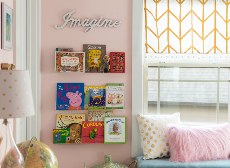 girls bedroom ideas | girls bedroom | pink girls bedroom | kids gallery wall | daybed | thehomeicreate.com