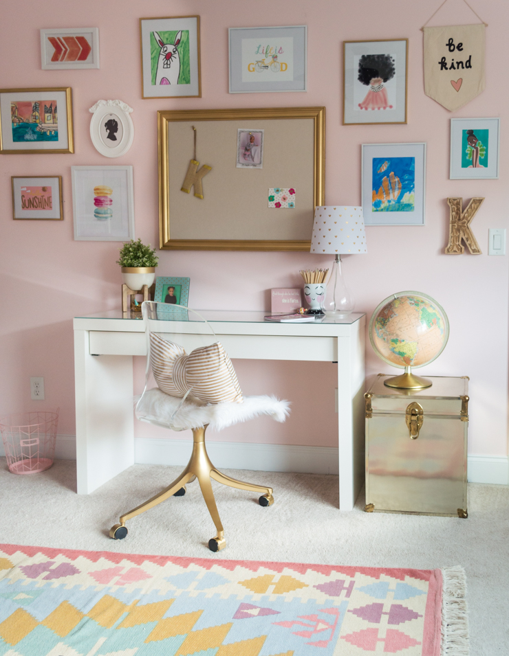 girls bedroom ideas | girls room | pink girls bedroom | kids gallery wall | daybed | thehomeicreate.com