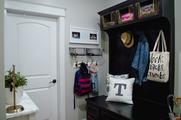 Organized Mudroom160722-80