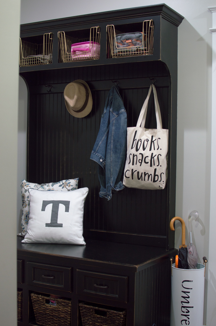 Organized Mudroom160722-89