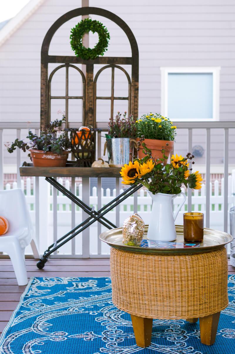 fall-porch-decorating