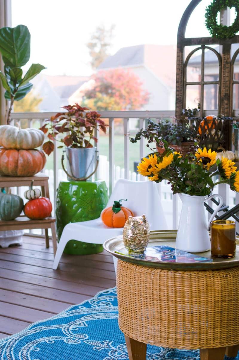 fall-porch-plants-and-pumpkins