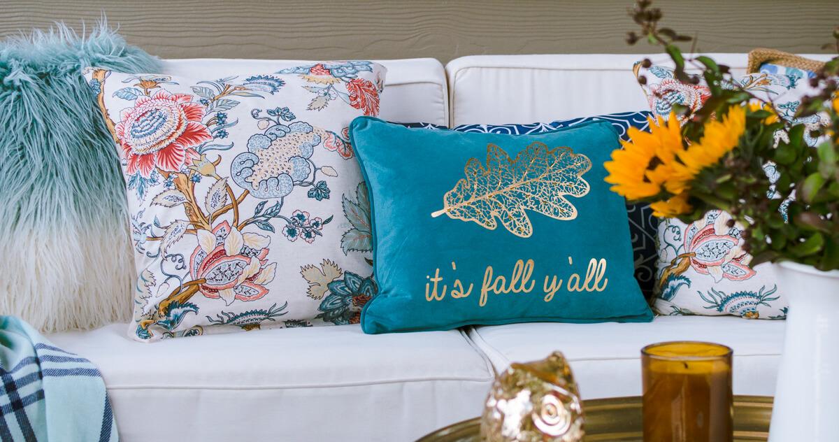 easy diy throw pillow covers using cloth napkins! - the home i create Diy Throw Pillow Covers