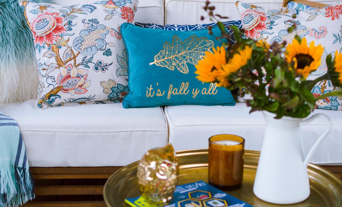 diy-throw-pillow-covers-using-napkins