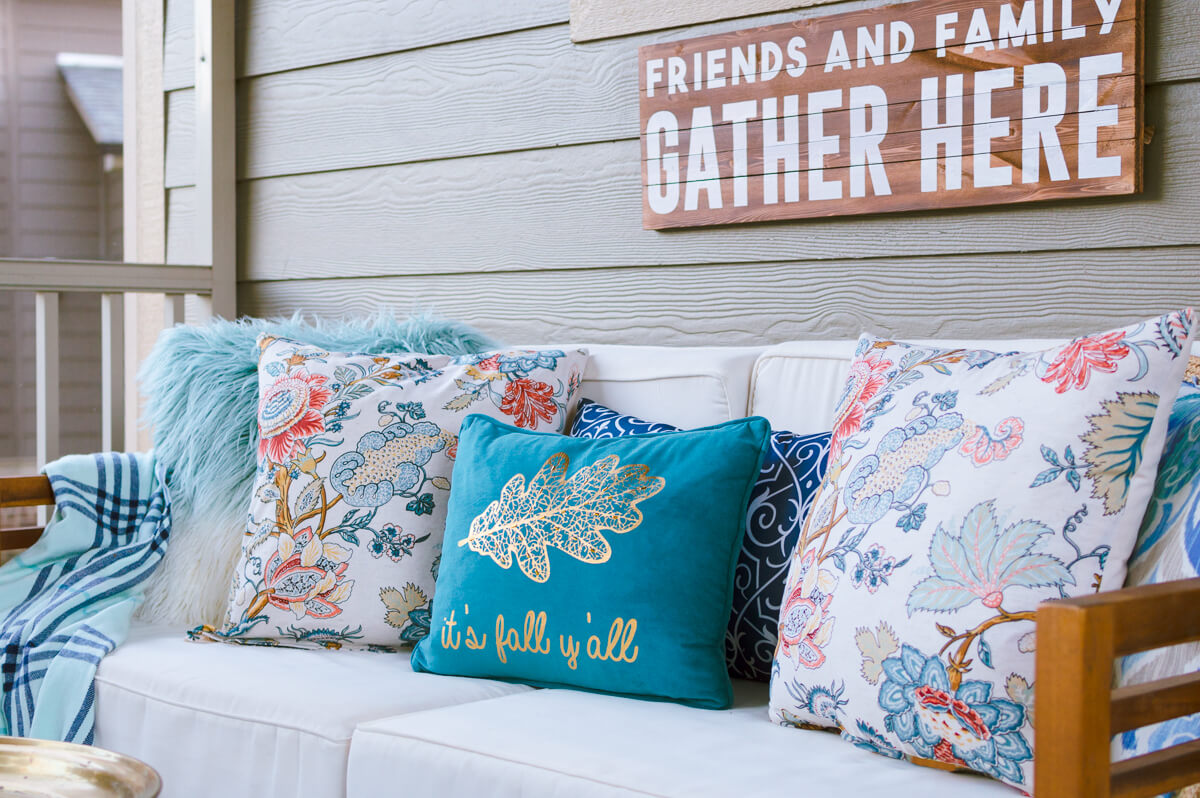 Easy DIY Throw Pillow Covers Using Cloth Napkins! - The Home I Create