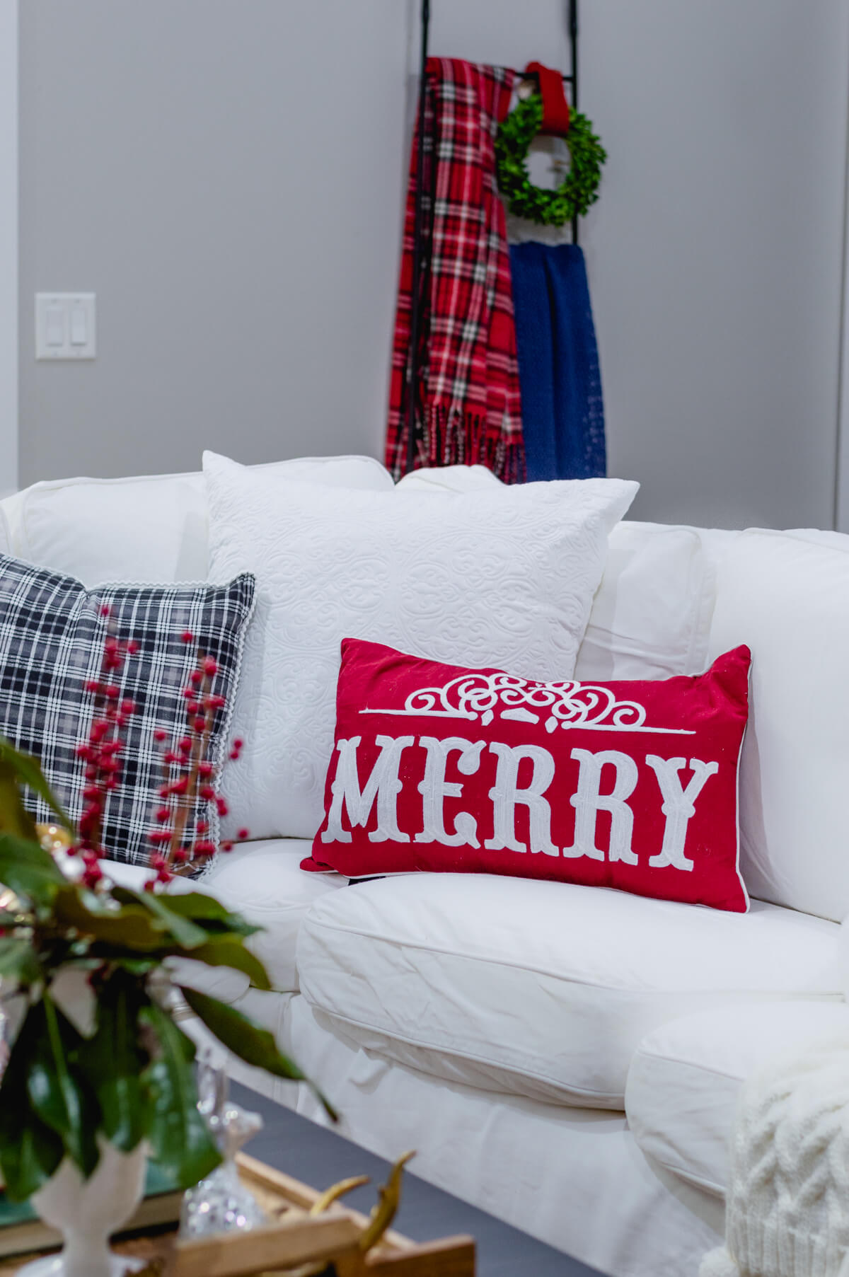 merry-christmas-pillows