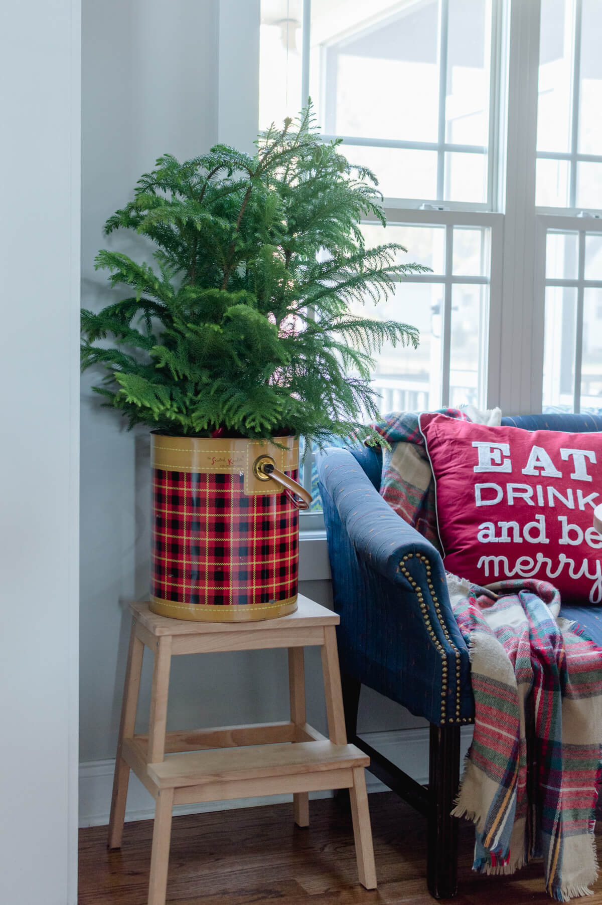 plaid-holiday-decor