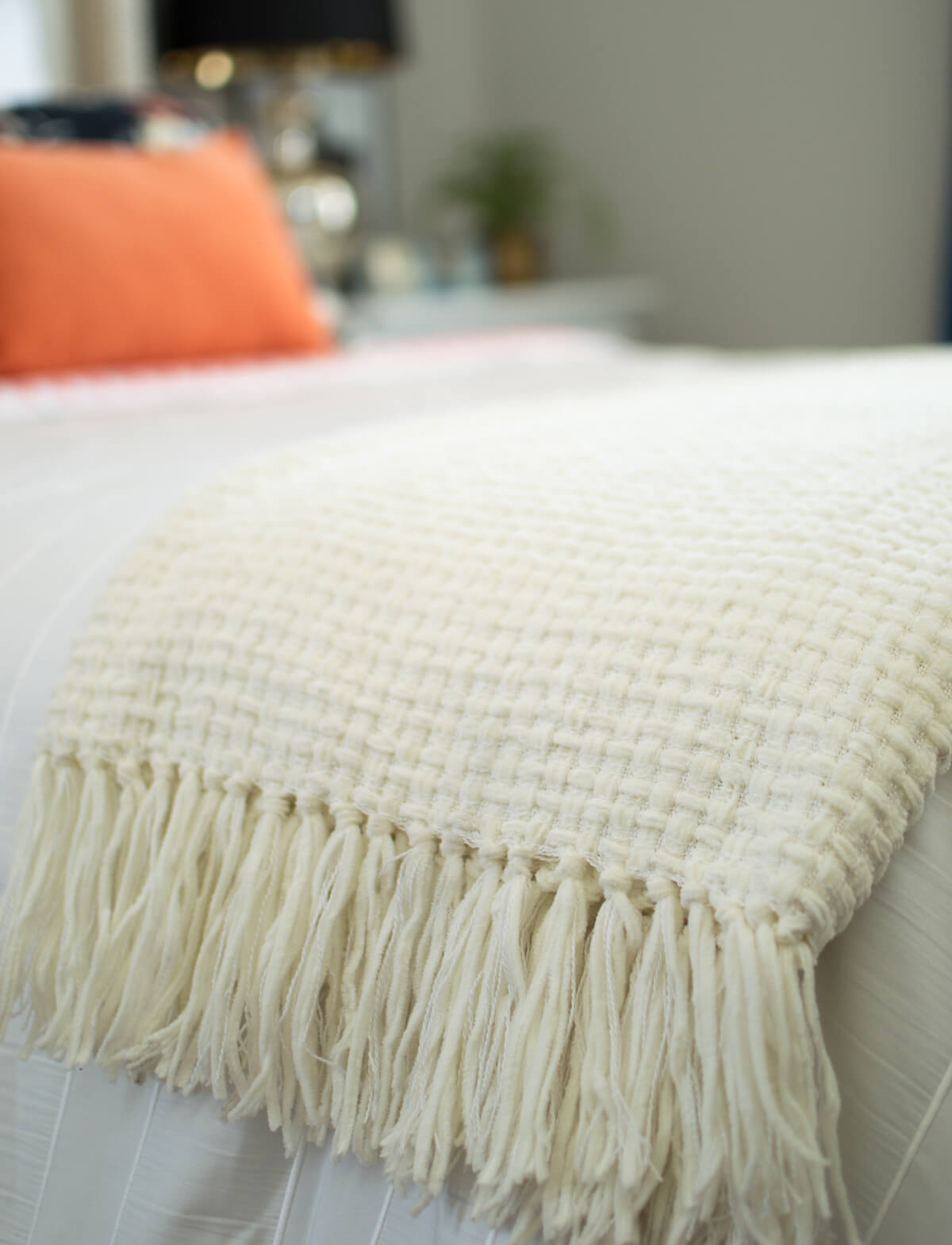 Throws | Cozy Throw| Fringe Throw | Throw Blanket | thehomeicreate.com