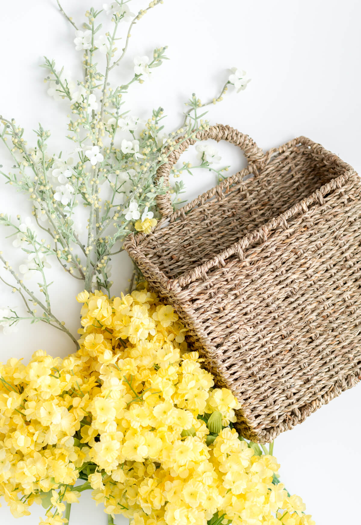 5 Minute Diy Spring Flower Door Basket Video The Home I Create