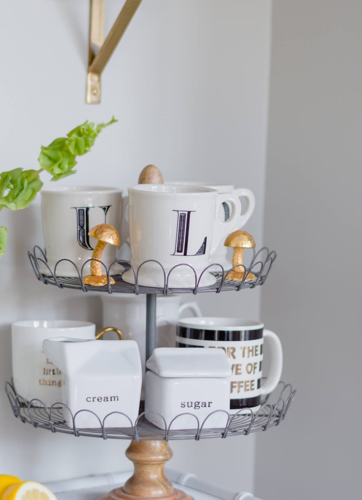 Coffee bar decor inspiration | DIY Coffee Station in the kitchen| Anthropologie mugs | thehomeicreate.com