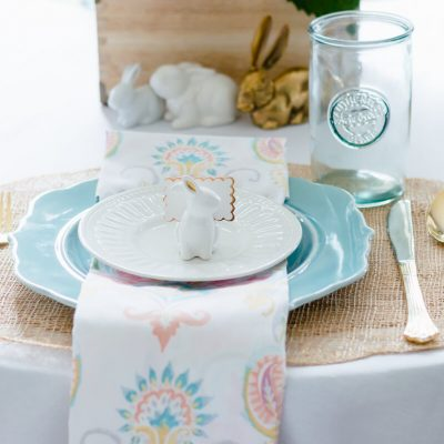 Beautiful and Simple Spring Tablescape