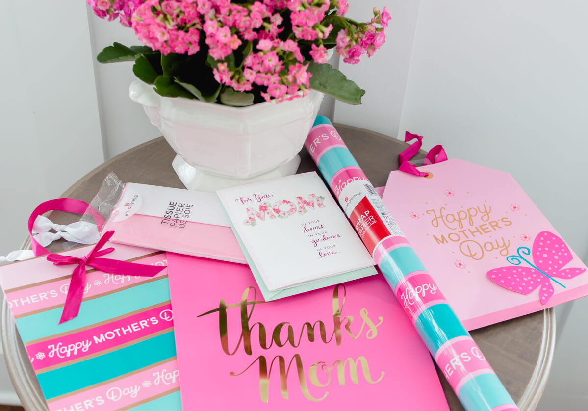 Pink and Gold Simple Mother's Day Decor from American Greetings. #MakeHerMothersDay #Ad