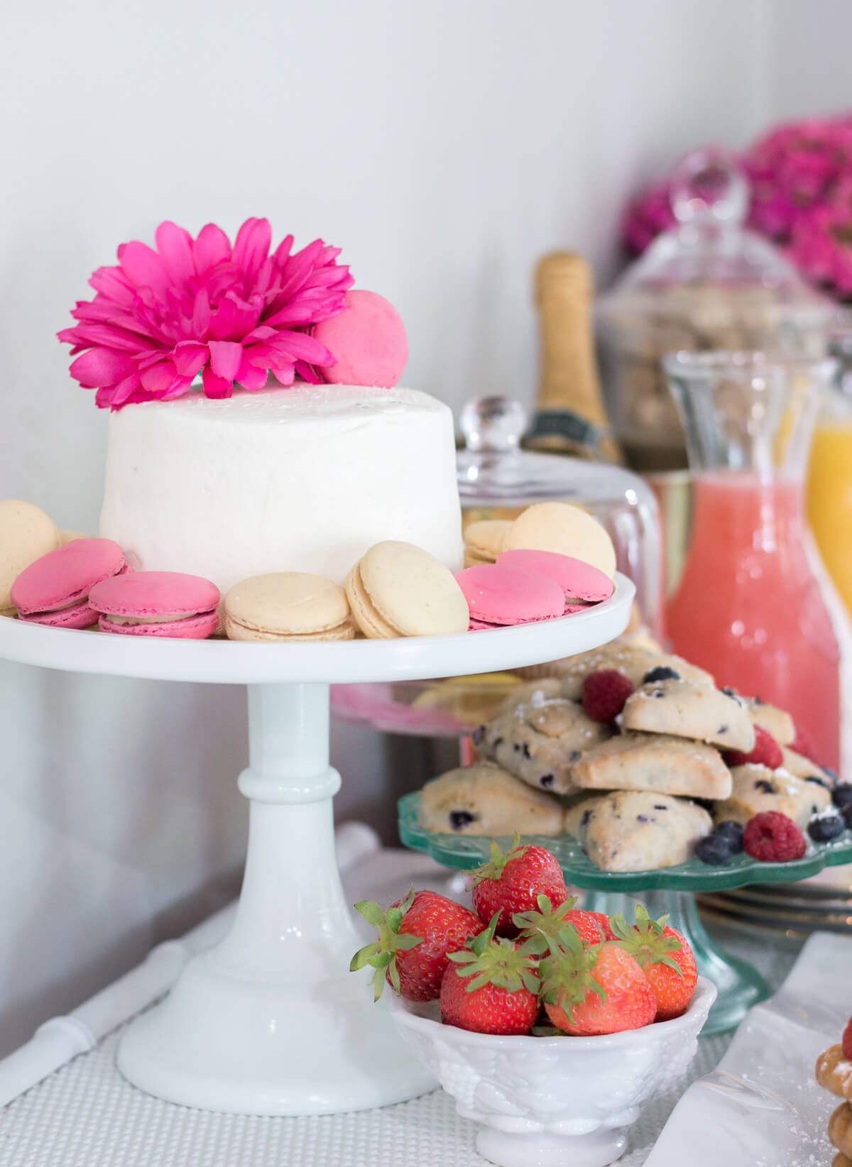 Pink and Gold Simple Mother's Day brunch on a budget with a pretty cake #MakeHerMothersDay #Ad