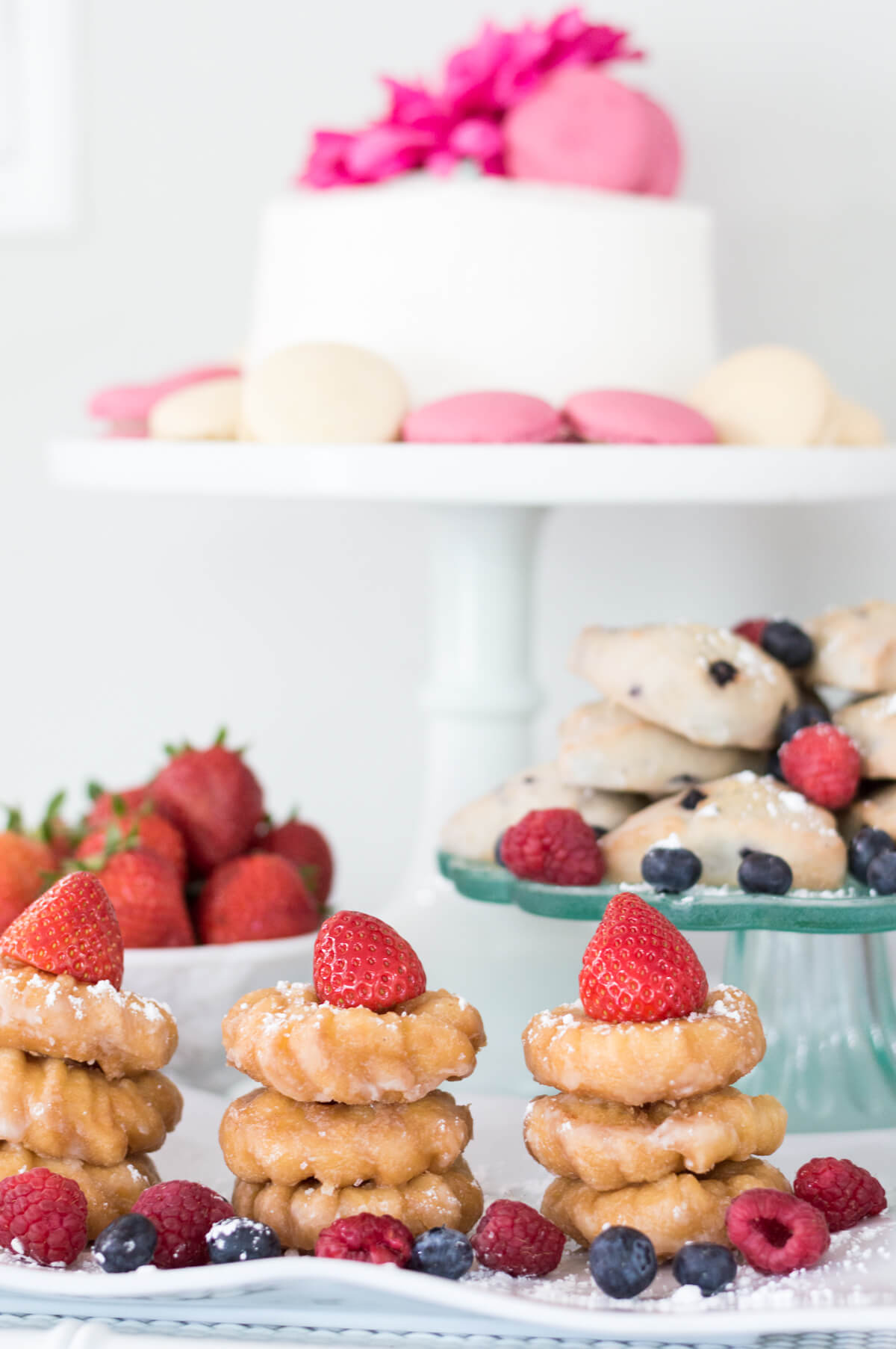 Pink and Gold Simple Mother's Day brunch on a budget with mini donuts. #MakeHerMothersDay #Ad