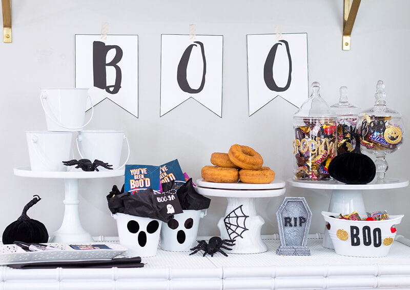 Create your own cute ghost BOO Kits this Halloween and BOO It Forward! Surprise friends and family with fun Halloween treats! @mmschocolate @amgreetings #BOOItForward #ad | the home i create