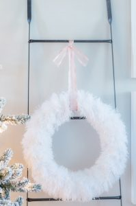 10 minute DIY Winter Wreath
