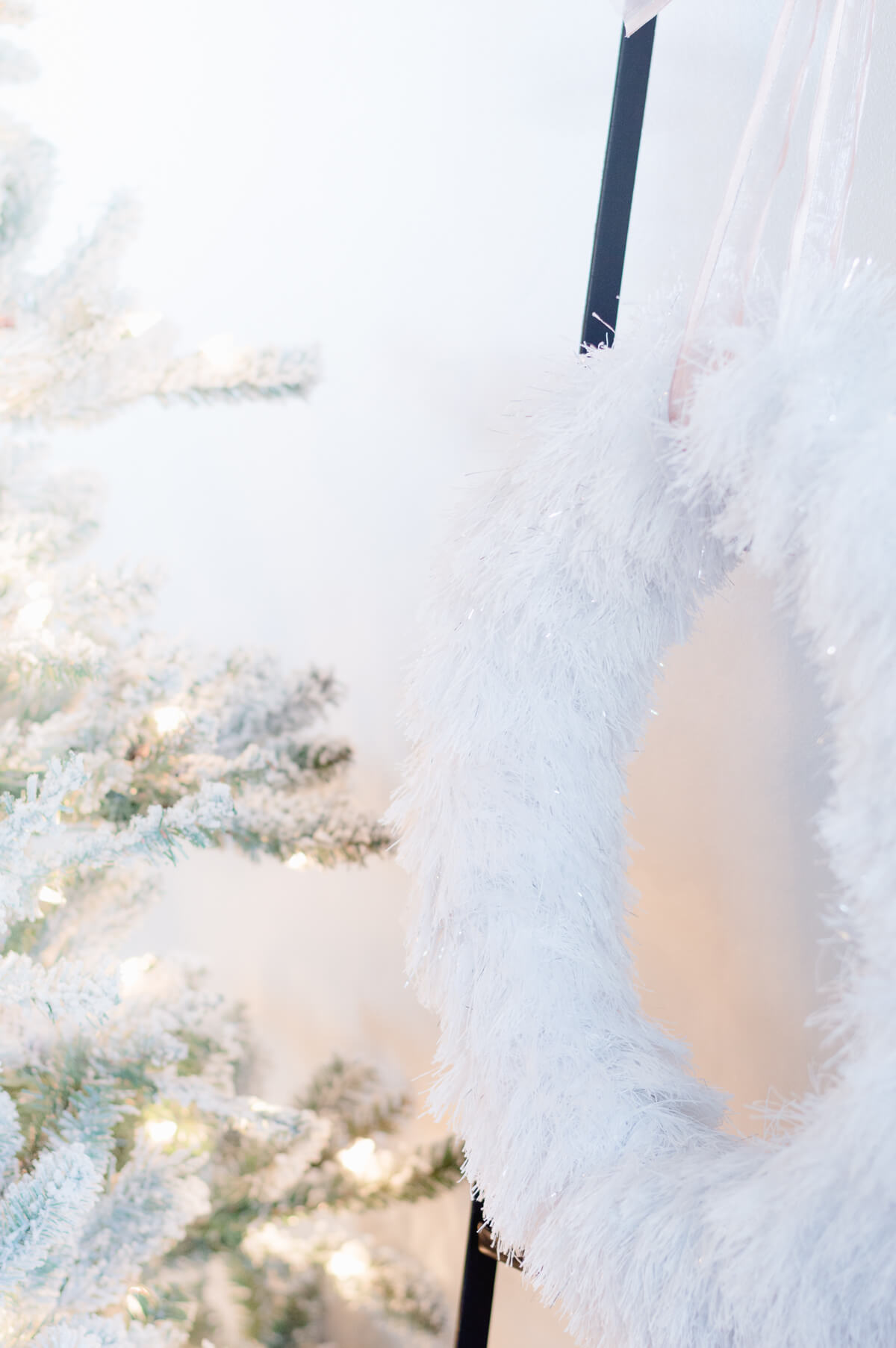 DIY Winter Wreath using feather boas