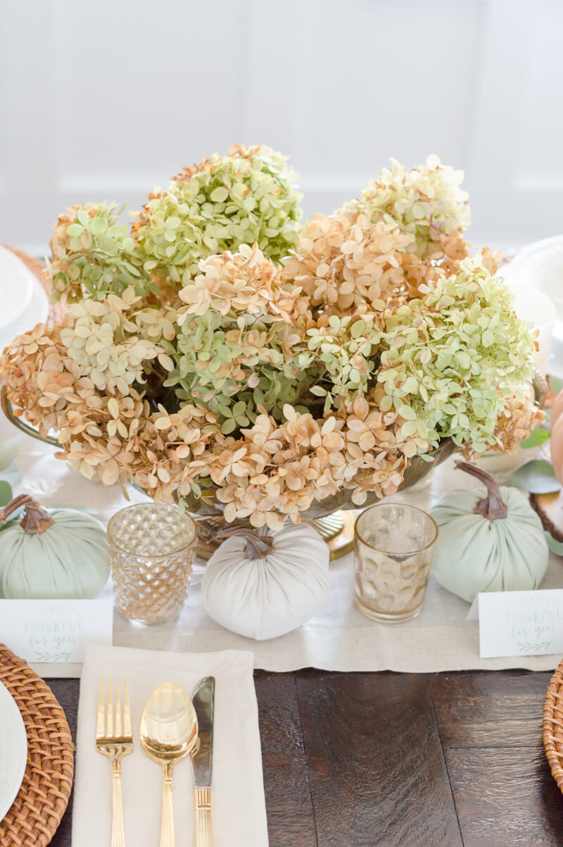 Dry hydrangea Centerpiece | thehomeicreate.com