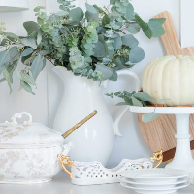 Pretty Thanksgiving Sideboard {Video}