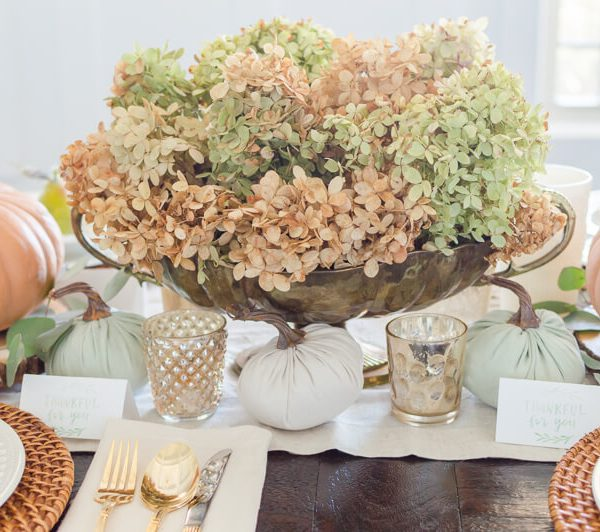 Thanksgiving Tablescape centerpiece