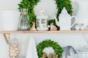 Christmas Kitchen Shelf Styling