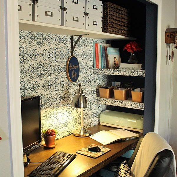 DIY+Closet+Office