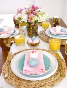 esater-brunch-table-pink-robin-egg-blue05