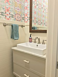 Small-Modern-Farmhouse-Powder-Room