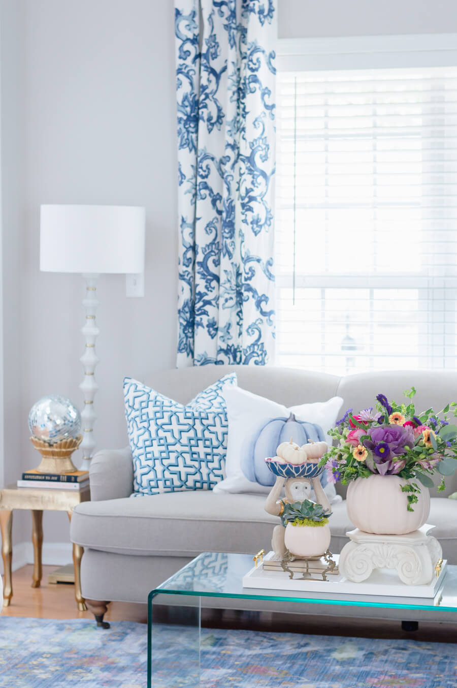 Blue and White Living Room Decor for Fall