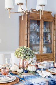 Feathers Thanksgiving Tablescape