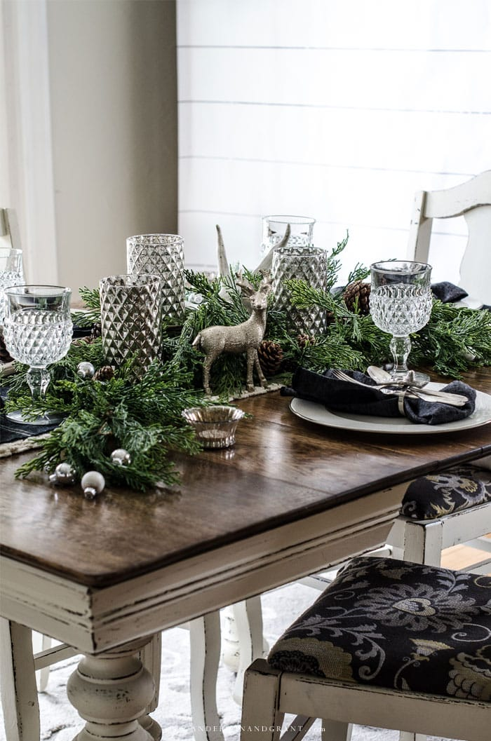 christmas-table-with-deer