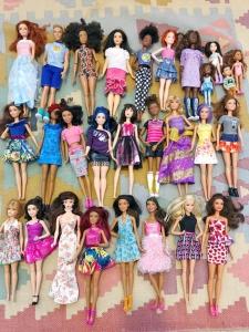 Barbie doll organizing
