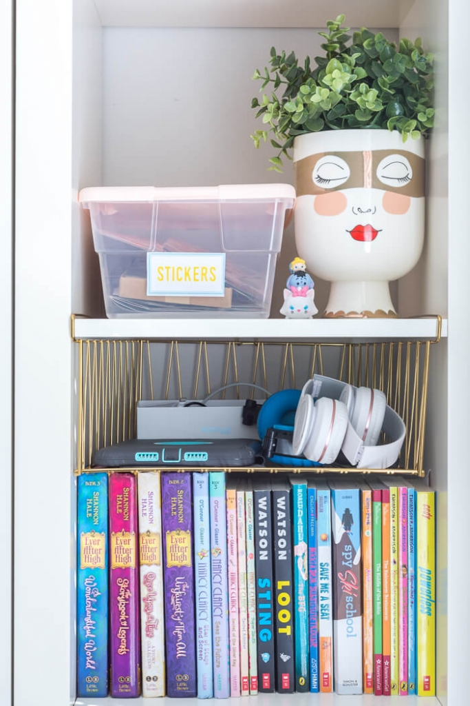 Electronics organization for kids room]