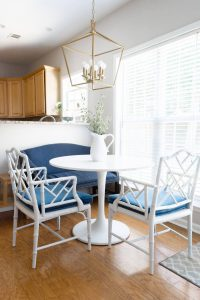 Breakfast Nook with round white dining table